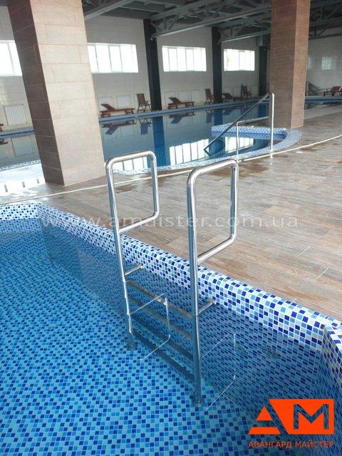 лестница из нержавейки для бассейна от Авангард Мастера